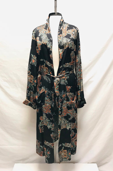 XXS / Long Sleeve Dressing Gown / Wilfred Aritzia / Black w Paisley Pockets Tie-Up