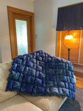 Load image into Gallery viewer, Biscuit Rag Quilt w/ Mando Prints