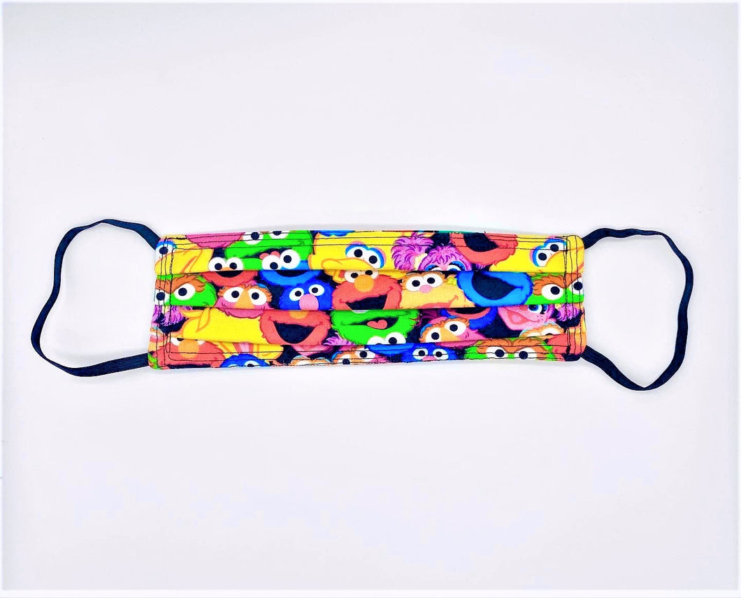 Licensed Print - Sesame Street: Rectangle Adult Face Masks (One Size Fits Most; Ages 11+)