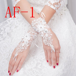 1 Pair Fingerless Short Wedding Gloves Wrist Length Lace Appliques Sequins Bridal Gloves Hollow White Lace Glove Accessories