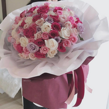 Load image into Gallery viewer, Luxury Rose Bouquet