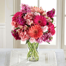 Load image into Gallery viewer, Blushing Beauty Bouquet