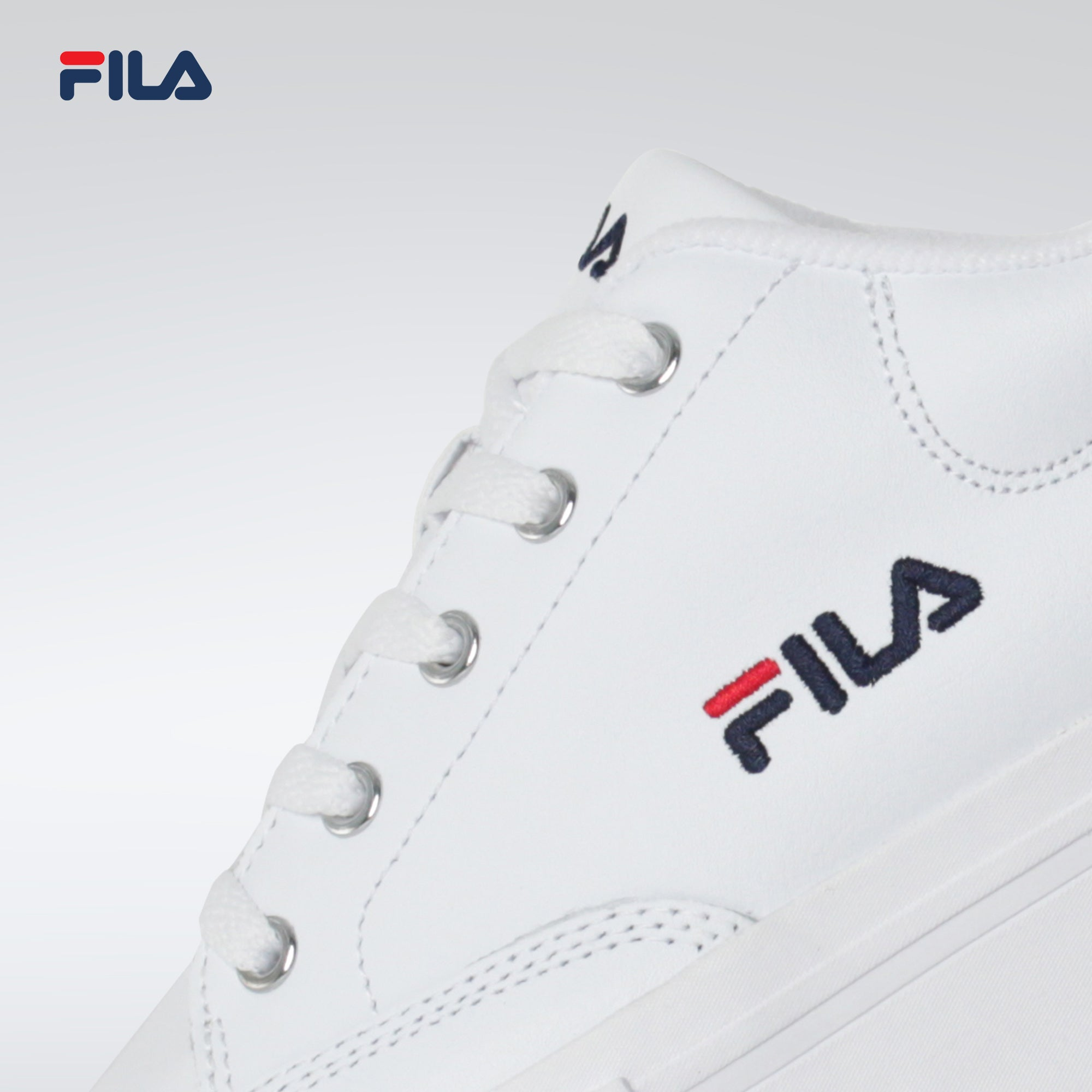 Fila Women's Lifestyle Sandblast Low Sneakers (WHT/FNAVY/FRED)