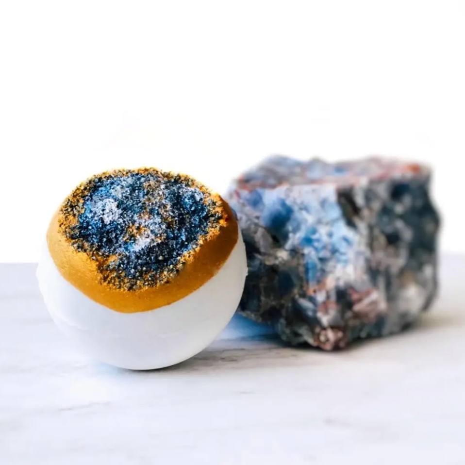 BLUE CALCITE GEODE BATH BOMB