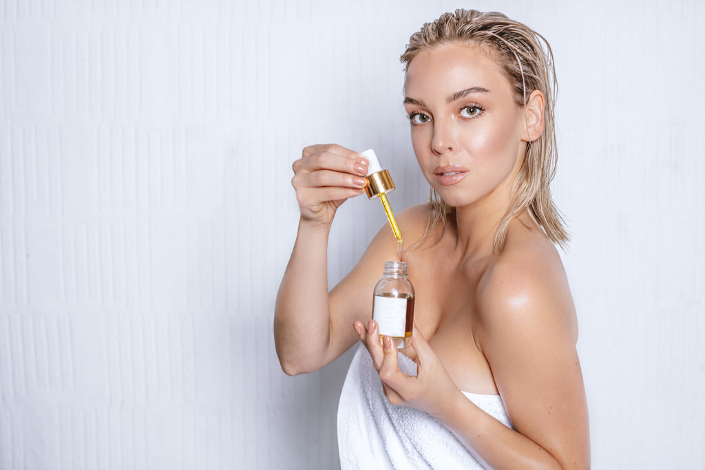 CBD OIL IN BEAUTY PRODUCTS- DOES IT REALLY BENEFIT YOUR SKIN?