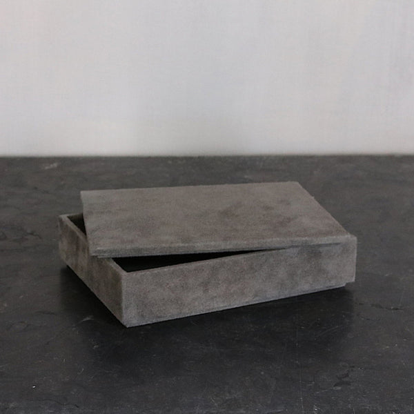 Letterbox in suede - grey