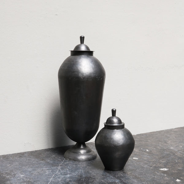 Medium iron 'odalisque' jar