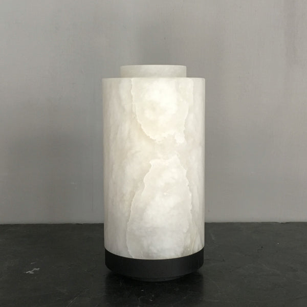 Alabaster lamp with black stained base