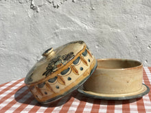 Load image into Gallery viewer, Vintage Butter Dish