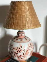 Load image into Gallery viewer, Pink pottery lamp