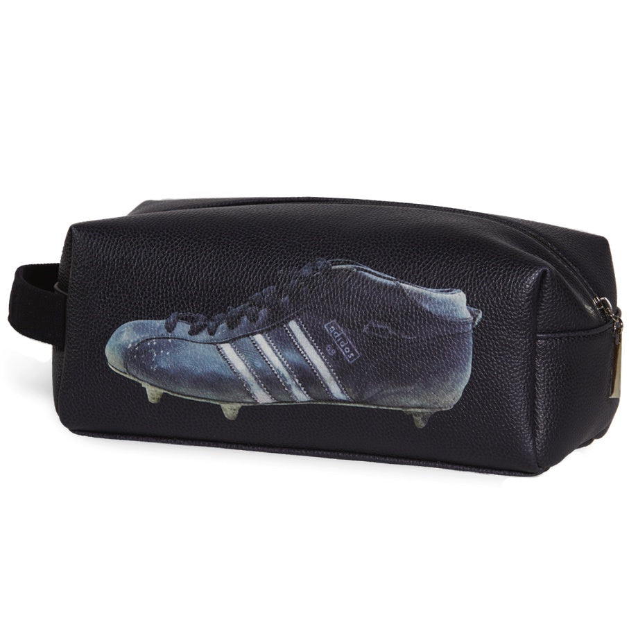 Sporting Nation Men's Wash Bag - Three Stripes Football  Boot    Avail in Black or White