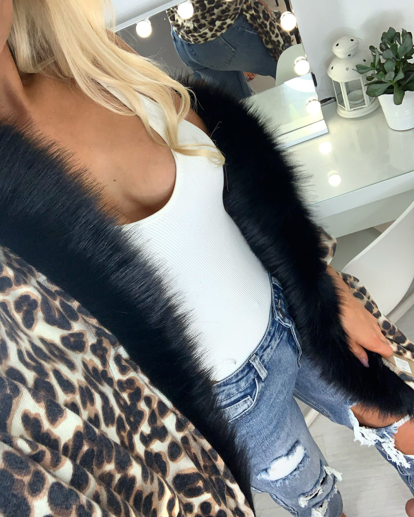 'Izzie' Animal Print Shawl with Black Faux-Fur Collar