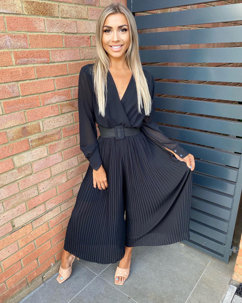 Shannon' Black Pleated Wide-Leg Jumpsuit (PRE ORDER 5 DAYS DELIVERY)