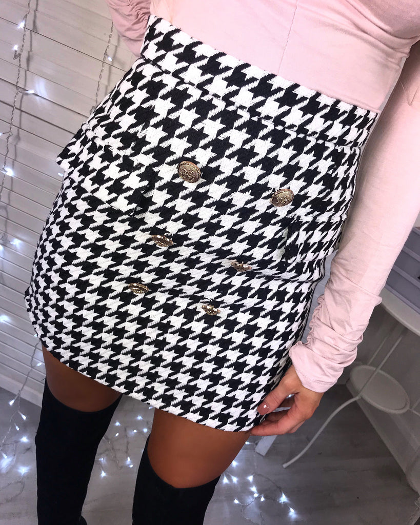 'Scarlett' Monochrome Check Print Button-Detail