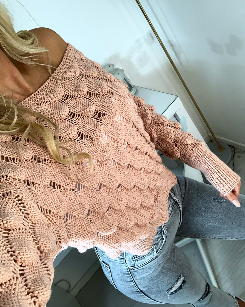 'Kate' Pink Knitted Scallop Jumper
