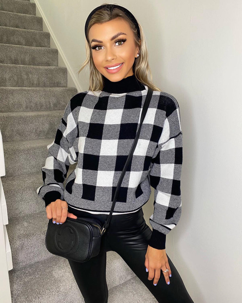 'Dana' Black & White Check Knitted Jumper