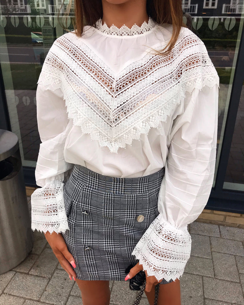 'Bonnie' White Lace Detail Blouse