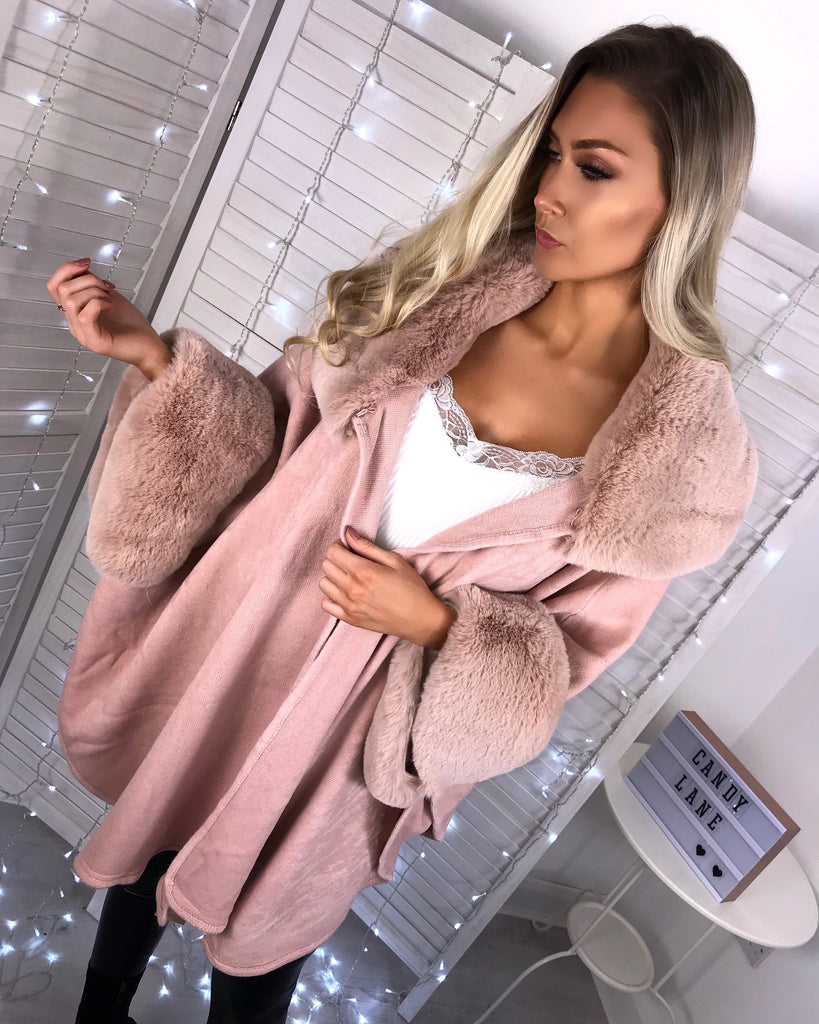 'Alicia' Dusky Pink Faux-Fur Sleeved Poncho