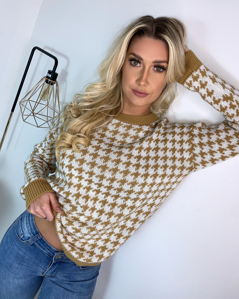 Sophie' Tan & White Dogtooth Knitted Jumper