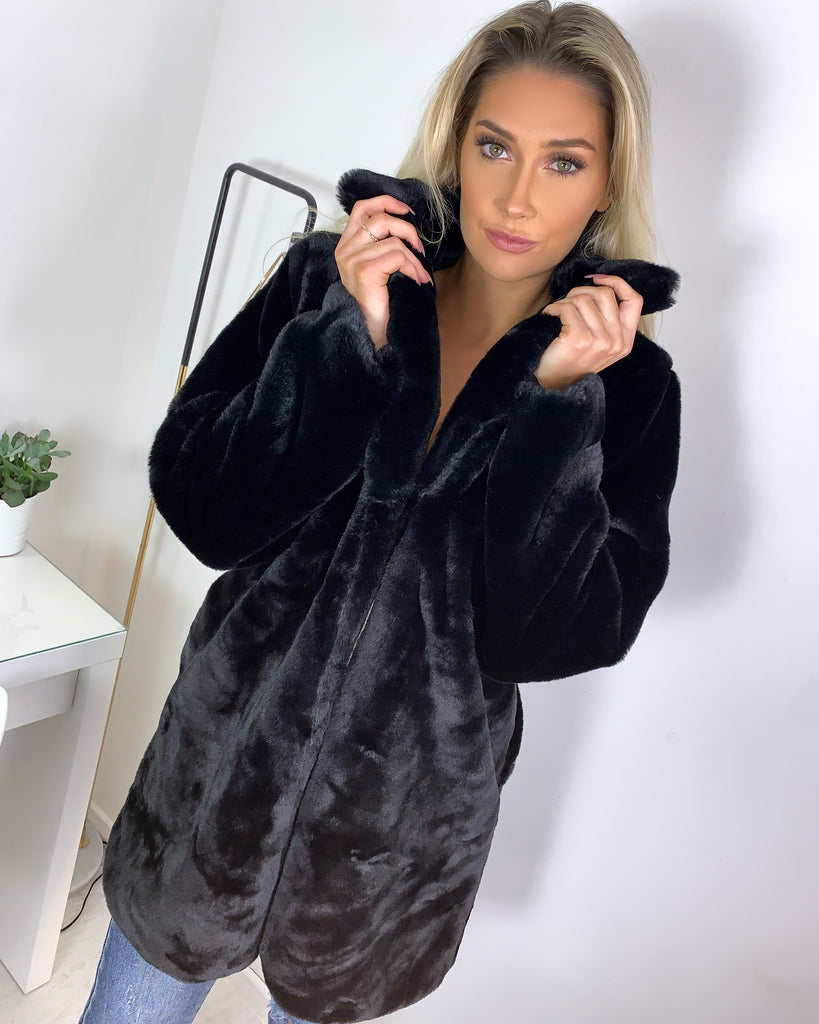 'Celia' Black Faux-Fur Teddy Coat