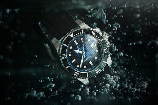 Pompeak watches Sub Aquatic underwater