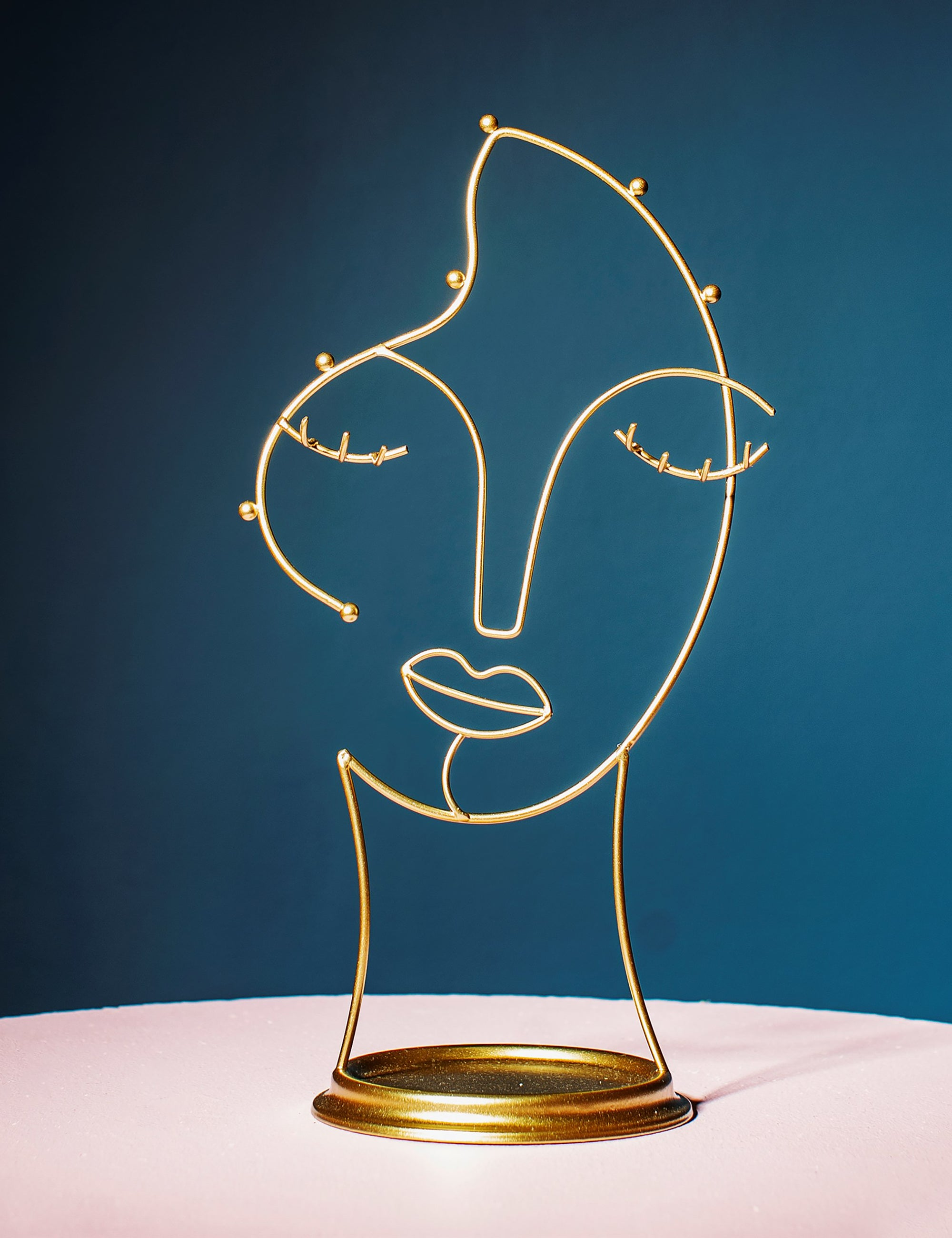 Gold Wire Face Jewellery Stand