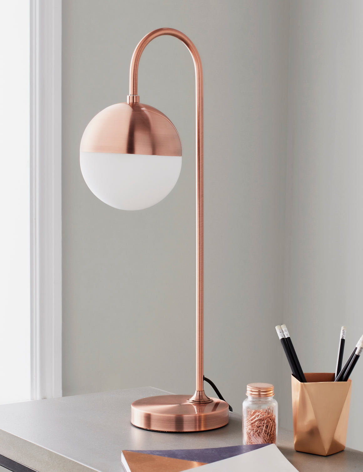Rose Gold Globe Table Lamp