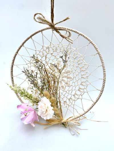 Hanging decor with dry flower and macrame detail