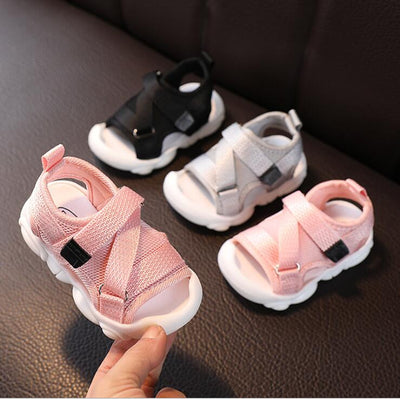 New kids sandals with soft sole