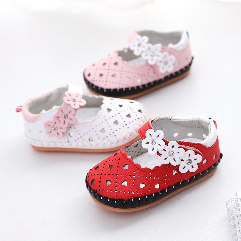 Girls cute shoes with flower design