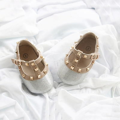 Cute baby girls shoes with stud design