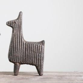 Iron Cast Llama, Distressed Finish, 5.5in - Floral Acres Greenhouse & Garden Centre