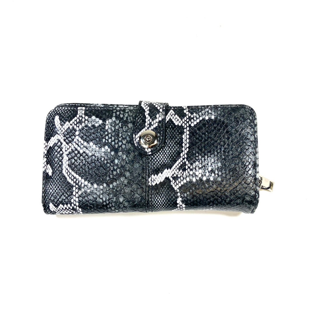 Eleanor Wallet w/ Clasp, Snakeskin