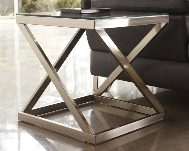 Coylin Signature Design by Ashley End Table image