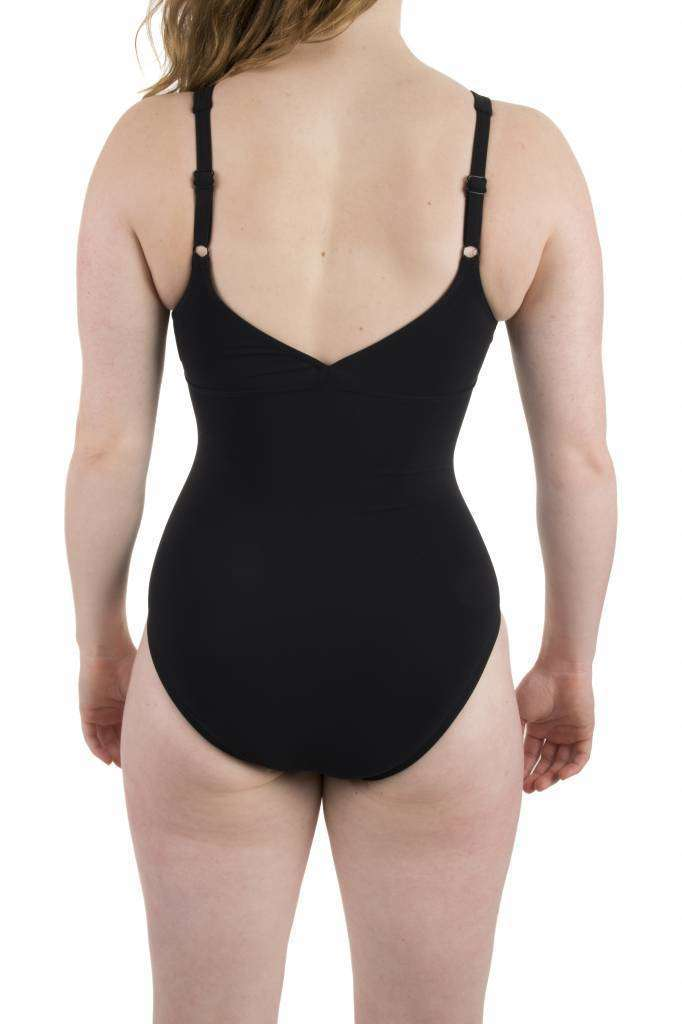 Dames Amber Wing Back One Piece C-cup Zwart | Zwemmershop