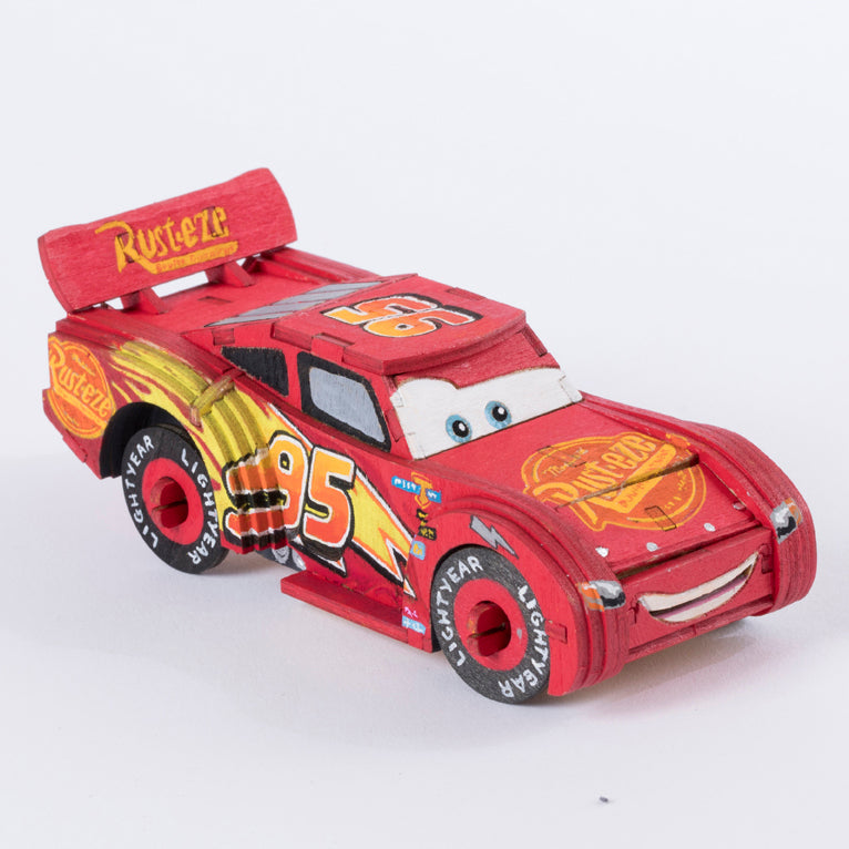 IncrediBuilds: Disney Pixar Cars 3: Lightning McQueen Book and 3D Wood Model