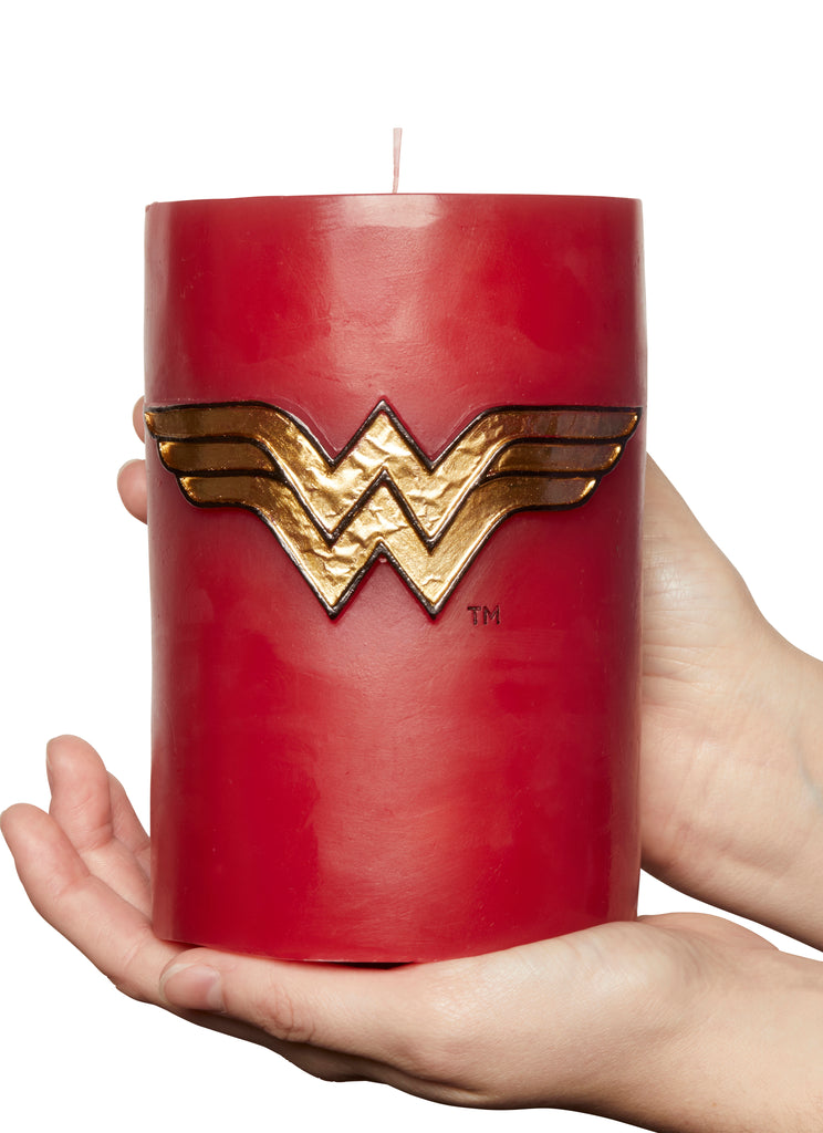 DC Comics: Wonder Woman Sculpted Insignia Candle