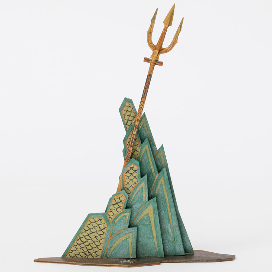 IncrediBuilds: DC Comics: Aquaman Book and 3D Wood Model