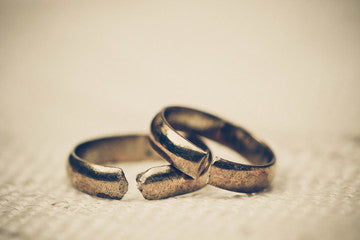 Rings and bracelets are the most common pieces of jewellery jewelry to break