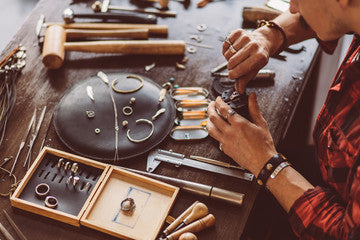 Learn how to care for an maintain your jewelry/Jewellery