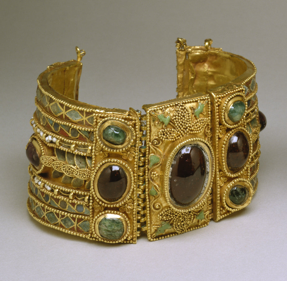 The Greeks often mixed Peridot up with topaz