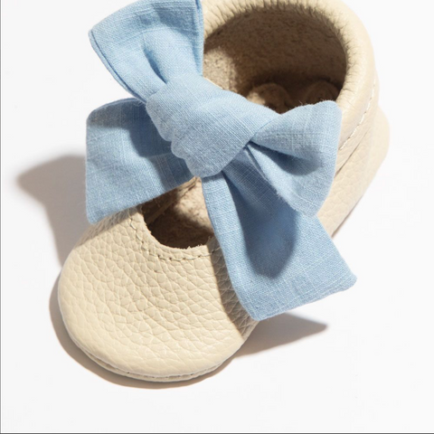 Linen Periwinkle Knotted Bow Mocc