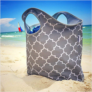 Structured carryall tote bag for beach or pool