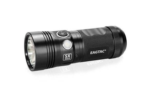 EagleTac SX30A4 xhp35hi 4xAA Flashlight - Bright Nite