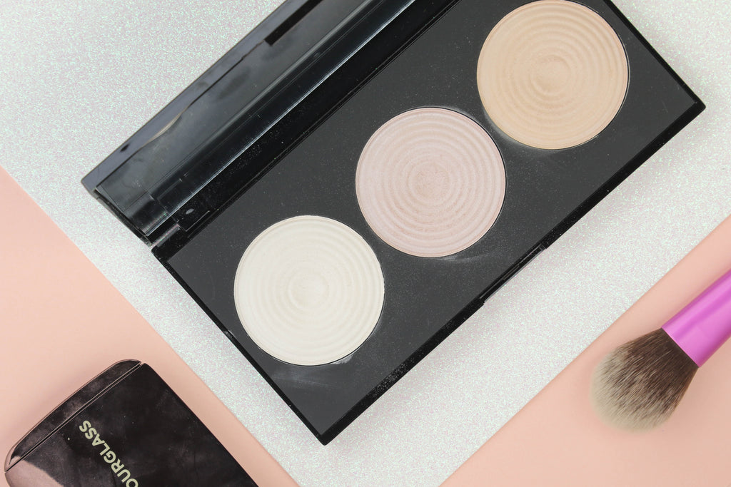 Pucker | Makeup Revolution Beyond Radiance Highlighter Palette - 3 Radiant Shades