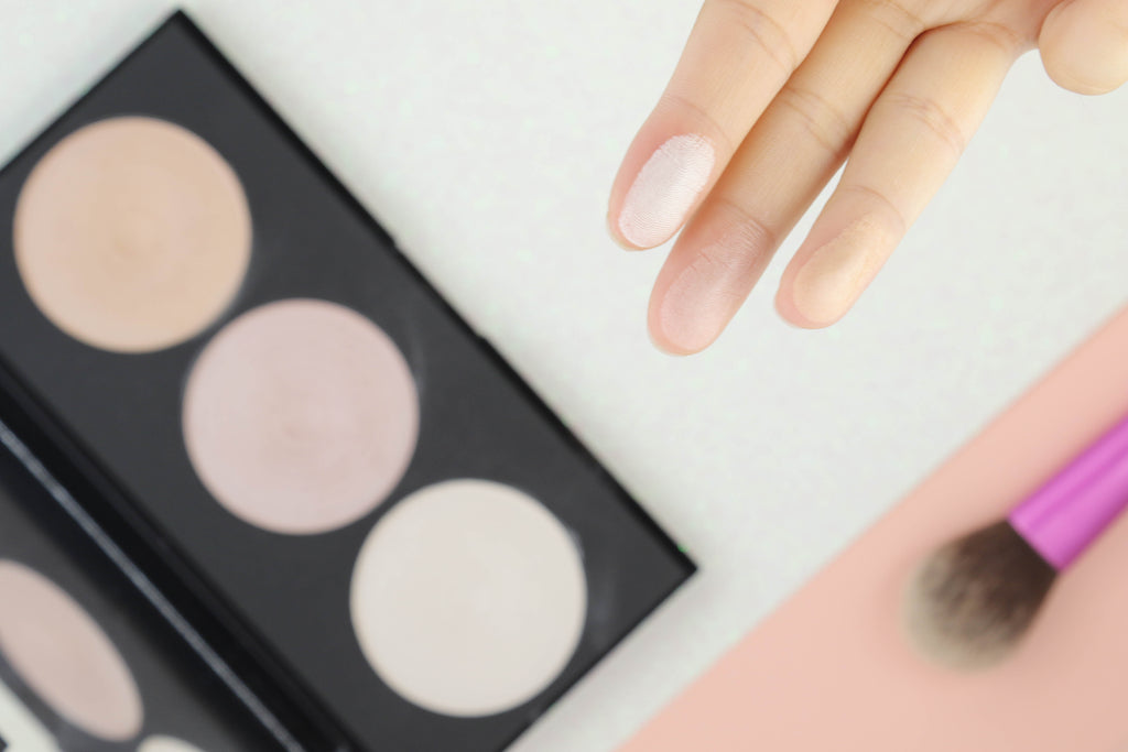 Pucker | Makeup Revolution Beyond Radiance Highlighter Palette - Natural, Ambient Glow
