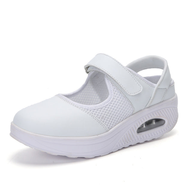 Women Breathable Shoes Nurse Shake Shoes