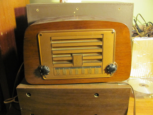 Radio : Emerson Radio by Charles Eames for Evans Plywood