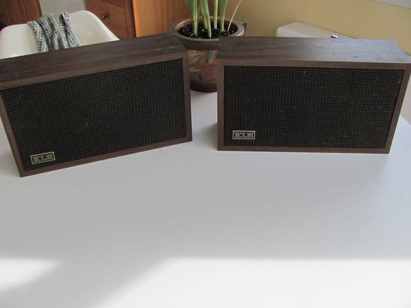 Speakers: Pair of KLH Bookcase Speakers