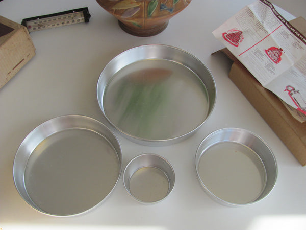 Old stock in Box Set of Cake Pans